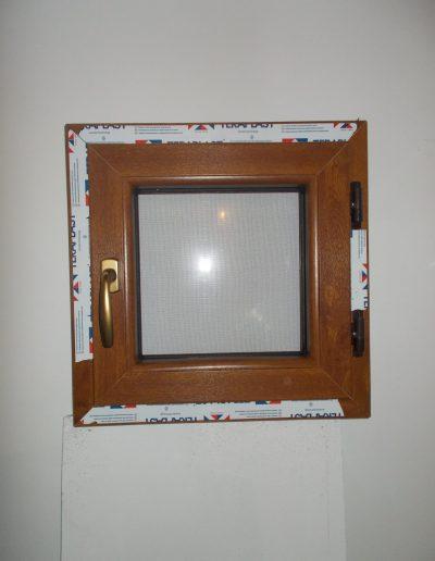 Tâmplărie PVC maro | Teraplast | Montaj geam de baie | Termopane Galați