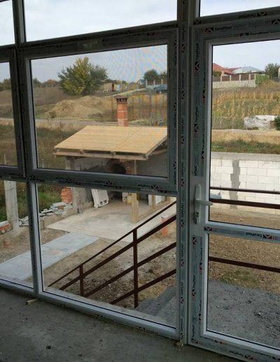 Poză de la montaj, Tâmplărie PVC alb, Tâmplărie de termopan pentru terasă cu ușă exterioară